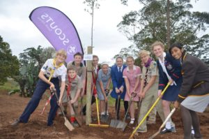 joint uper-highway scout and school tree planting (2)